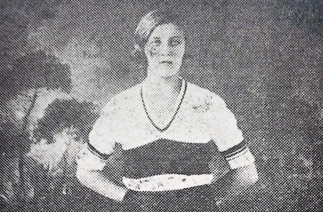 REDNIC Sport-Album 1932 Fussballerin Szigethy