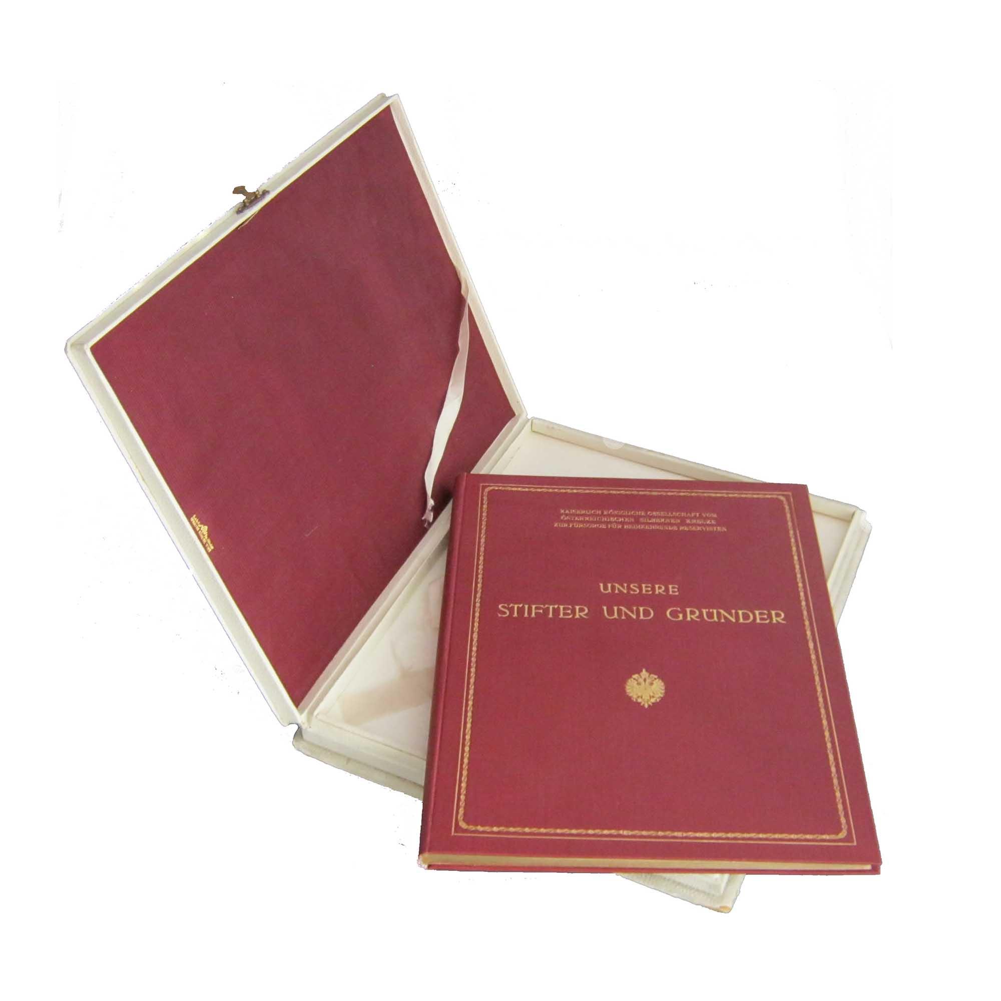 5260-Gedenkbuch-Silbernes-Kreuz-1917-Kassette-Einband-N.jpg